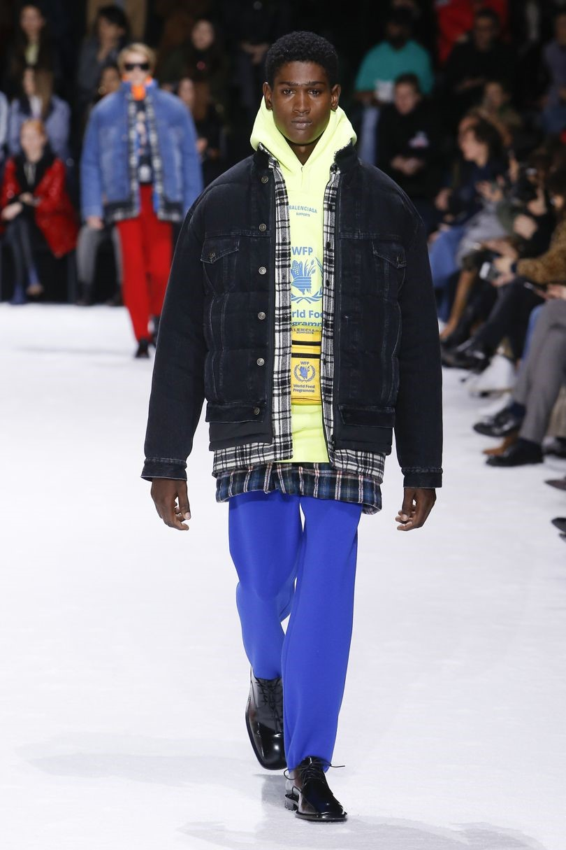 layer like Balenciaga - Balenciaga layers AW18 look 58